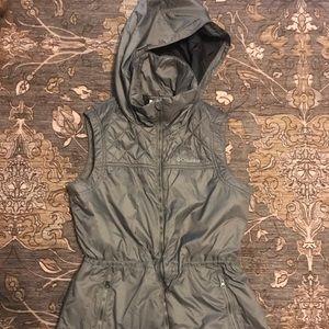 Columbia Puffer Vest size medium Gray nwot
